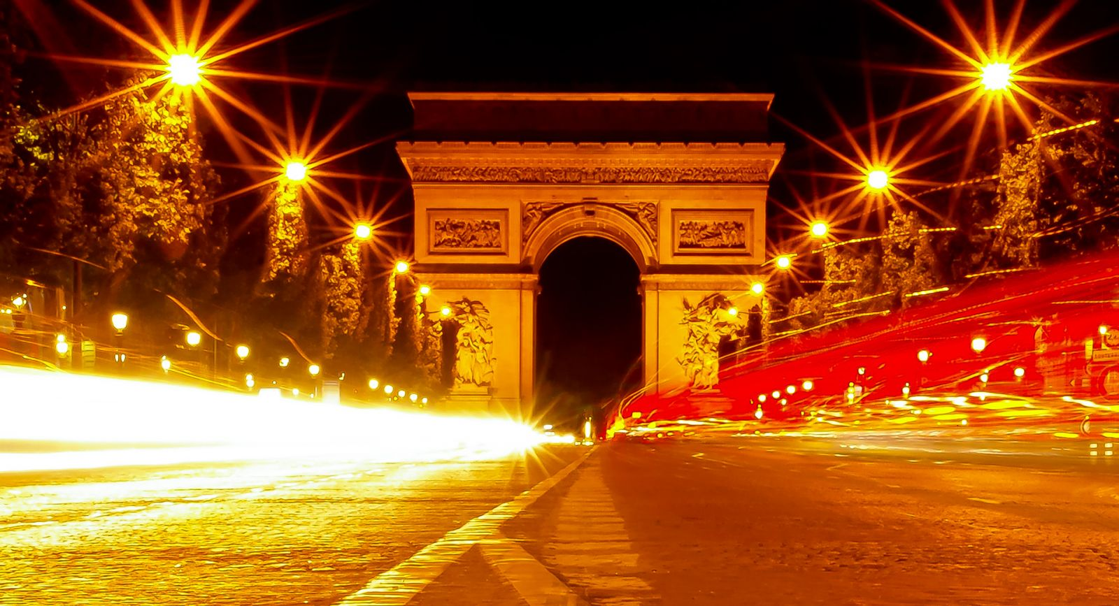 549/Photos/Paris/Arc_de_Triomphe_Nocturne-optimisee.jpg