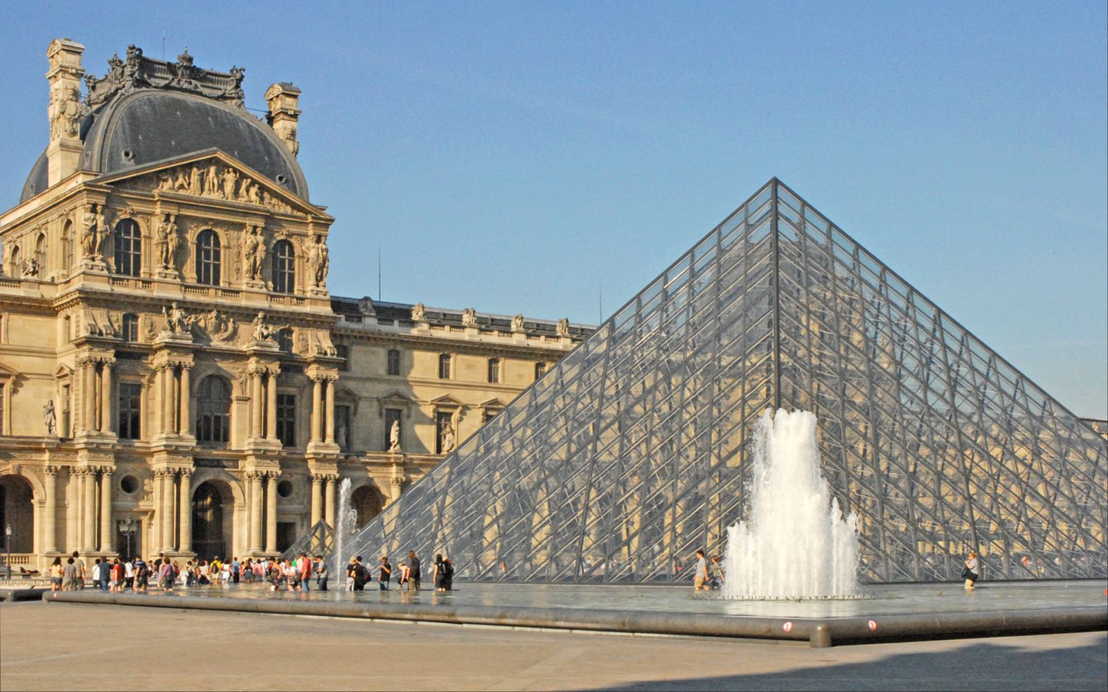 549/Photos/Paris/Le_musee_du_Louvre_4750261198-optimisee.jpg