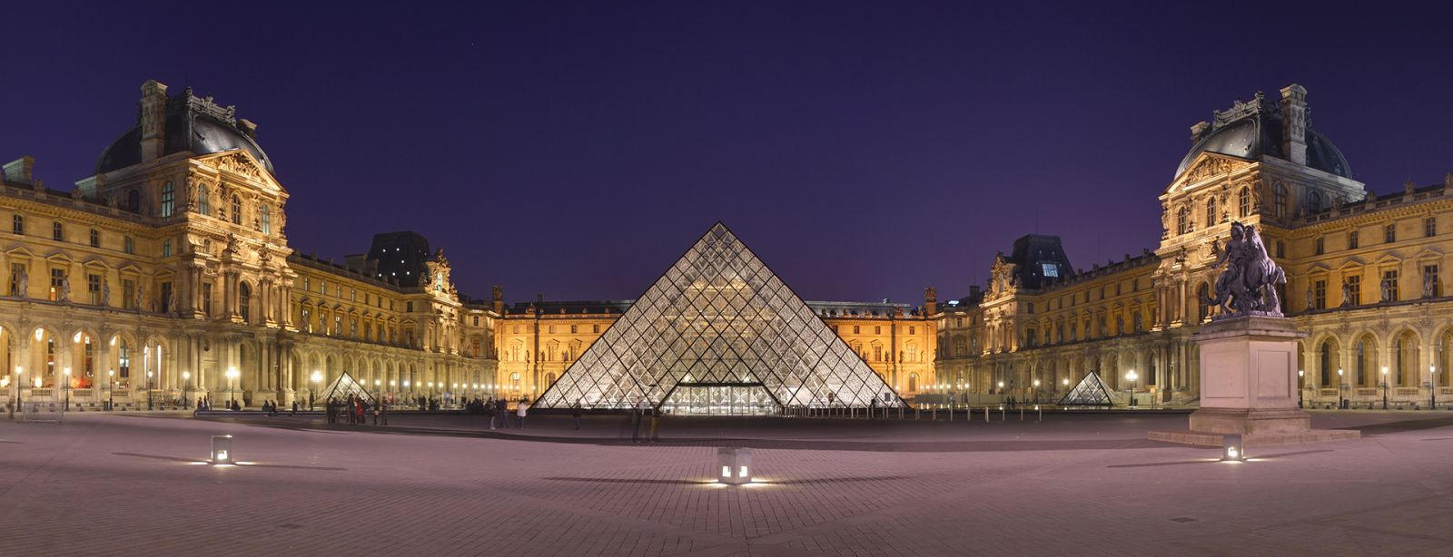 549/Photos/Paris/Louvre_Museum_Wikimedia_Commons-optimisee.jpg