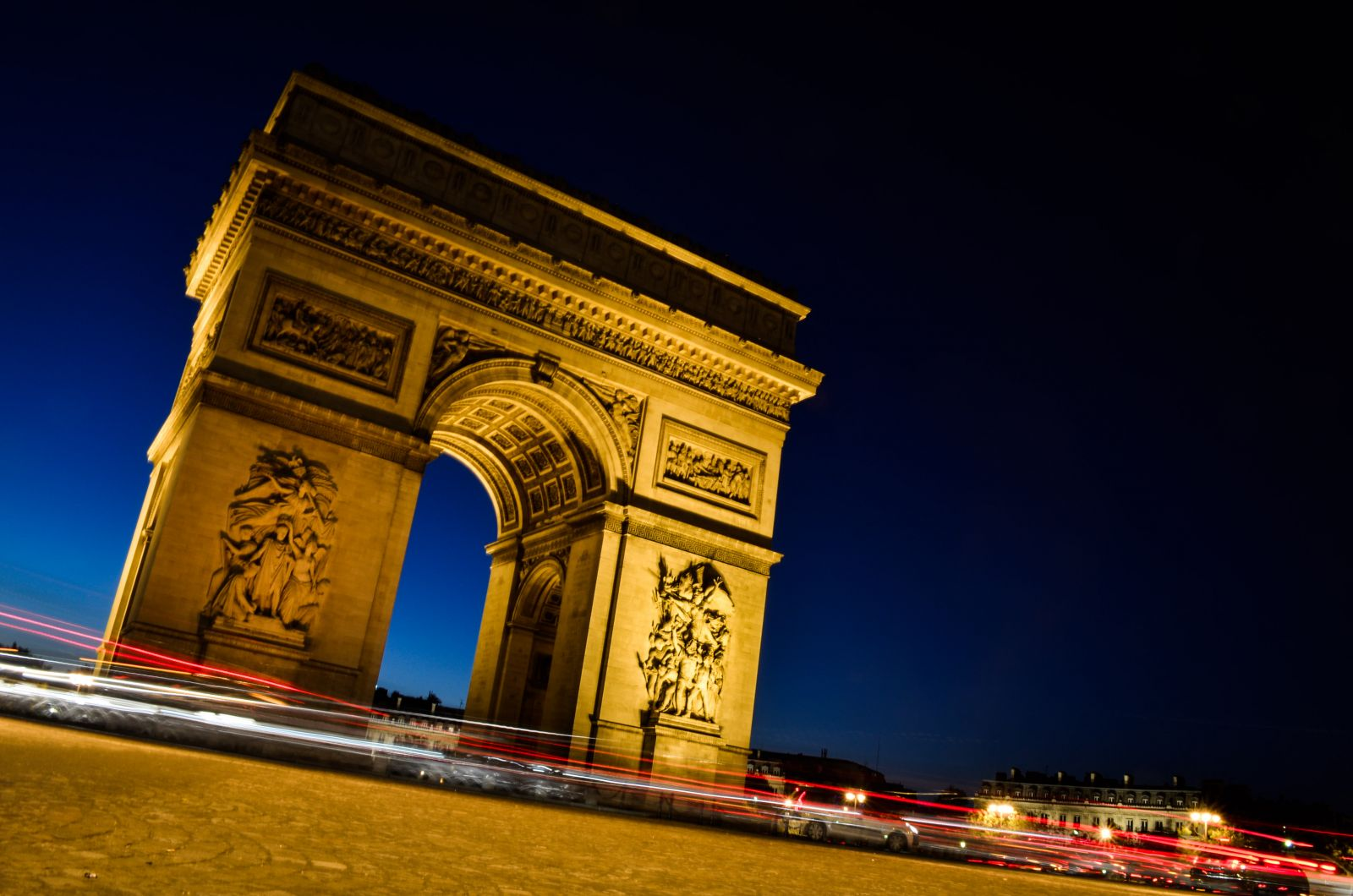 549/Photos/Paris/arc-de-triomphe-nuit.jpg